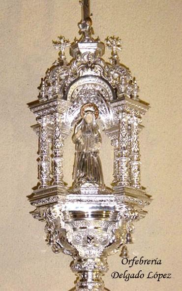 Insignia de Santa Ángela de la Cruz para la Hermandad de la Amargura